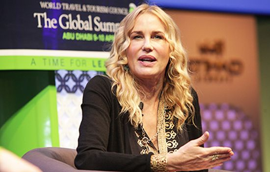 Daryl-Hannah speaking at World Travel and Tourism Council event, 2013 © World Travel and Tourism Council
